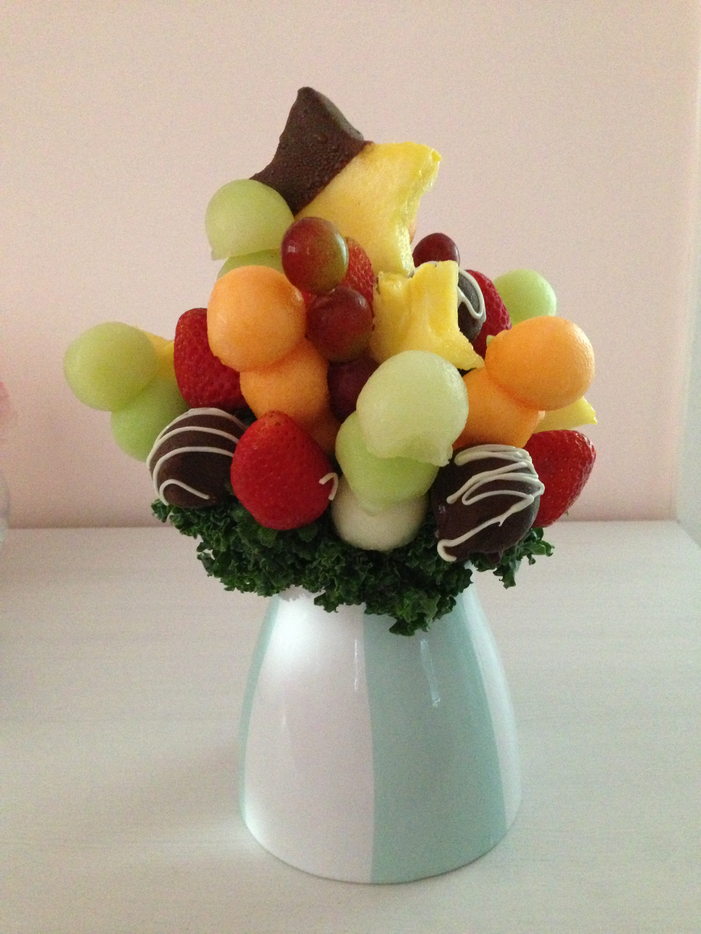 Tasty tuesday edible arrangements california pizza kitchen i absolutely loved this little fruit bouquet it was as delicious as its gorgeous my best friend had it delivered to me as a late graduation gift izmirmasajfo