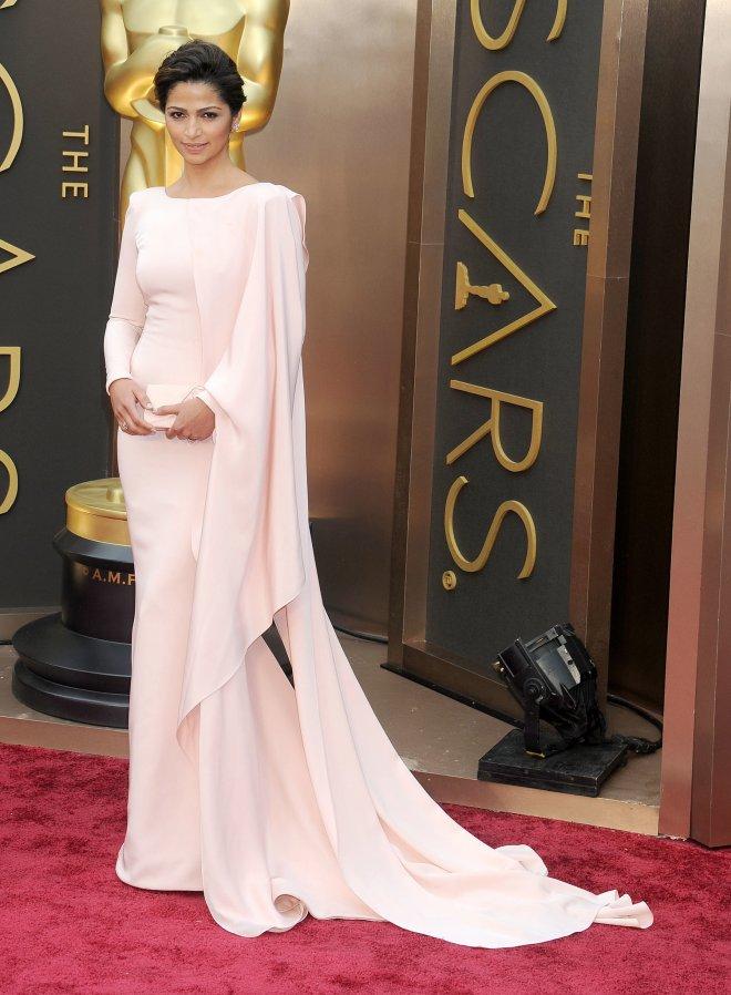 Camila-Alves-2014-Oscars