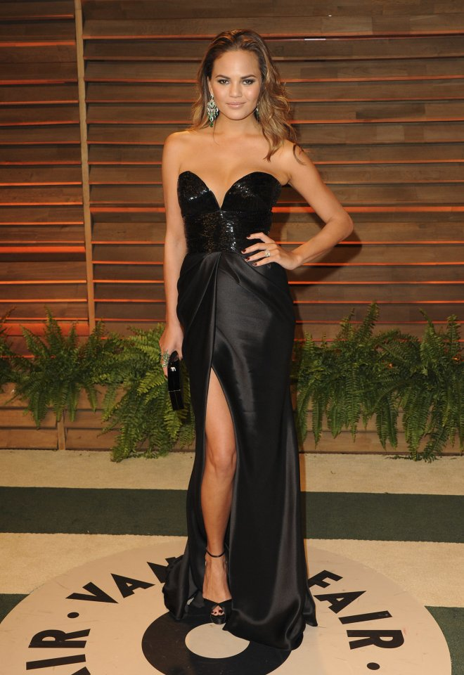 Chrissy-Teigen-2014-Vanity-Fair-Oscars-Party