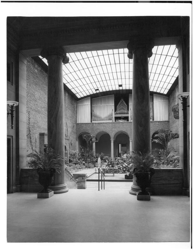 Organ-in-Garden-Court