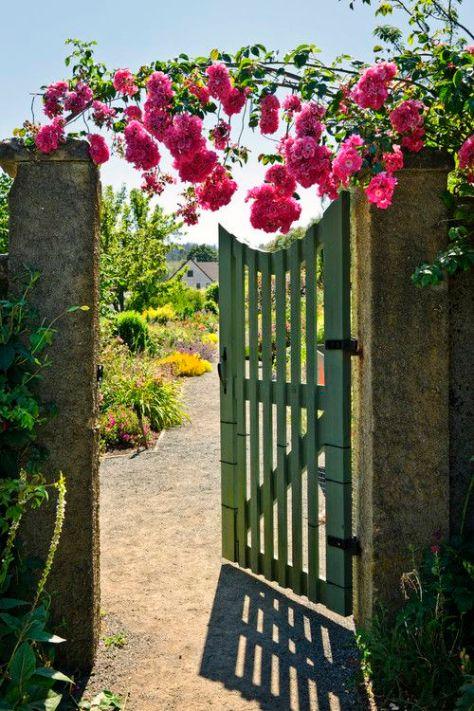 92a10af70ef32800ee66898ded797fce--fence-gate-fencing.jpg